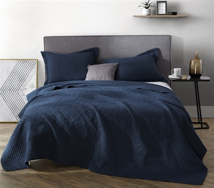Navy Supersoft Pre-Washed Quilt - Twin XL